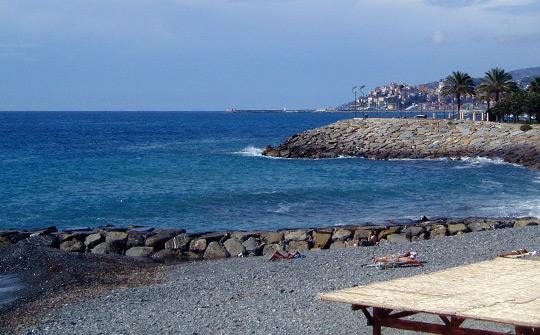 Onelia e Porto Maurizio sullo sfondo